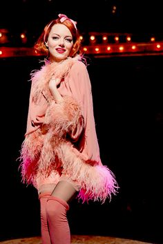 Emma Stone as Sally in Cabaret, 2014 Emma Stone Cabaret, The Goodbye Girl, Magic Memes, Patti Lupone, Gala Themes, Bernadette Peters, Peaky Blinders, Celebs, Celebrities