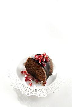 As romãs são cultivadas em todas as regiões de Israel e usadas em muitas e variadas receitas. Apenas um fruto pode conter 600 sementes. Este bolo tem tudo o que um bom bolo precisa: açúcar mascavado,...