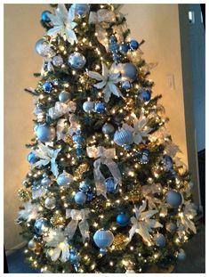 Blue Christmas Tree Decorations, Elegant Christmas Trees, Christmas Tree Design, Gold Christmas Tree, Christmas Wreaths, Christmas Ideas, Merry Christmas, Beach Christmas, Christmas Time