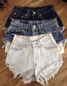 classic vintage levis high waisted denim cut off shorts Levis Denim, Black Denim Shorts, Waisted Denim, Plaid Pants, Distressed Shorts, Loose Jeans, Jeans Slim, Skinny Jeans, Summer Shorts Outfits