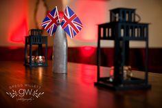English Pub decor on pub table Pub Decor, Event Design, Oasis, Man Cave, English, Party, Table, Diy, Fiesta Party