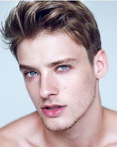 Renan corbani handsome male models cute guys, cute boys at gorgeous men. Beautiful Eyes, Gorgeous Men, Blonde Jungs, Wavy Hair Men, Blonde Boys, Handsome Faces, Men Handsome, Interesting Faces, Male Beauty