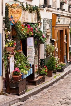 Researching places to eat in France. Le Poulbot, Montmartre: the art hub of quaint Paris Montmartre Paris, Oh Paris, Places Around The World, Oh The Places You'll Go, Places To Travel, Places To Visit, Around The Worlds, Paris Travel, France Travel