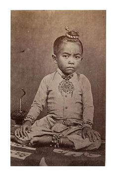 Son and heir of the King of Cambodia. Cambodia royal family in Old Photos, Vintage Photos, Khmer Empire, Creepy Photos, Thailand Photos, Asian History, People Of The World, National Museum, World Cultures