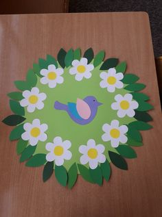 Daycare Crafts, Baby Crafts, Preschool Crafts, Easter Crafts, Paper Flower Wreaths, Flower Crafts, Paper Flowers, Summer Crafts For Kids, Projects For Kids