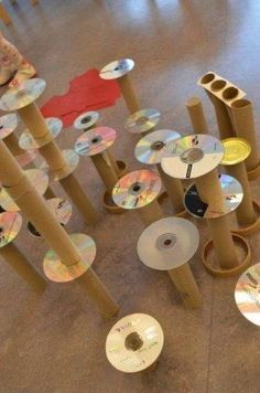 Interaction Imagination: Construction with cardboard tubes & old CD's Play Based Learning, Learning Through Play, Early Learning, Learning Games, Block Center, Block Area, Heuristic Play, Reggio Classroom, Reggio Emilia Preschool