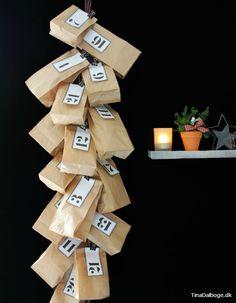 Lav en enkel og rå pakkekalender med brune papirsposer…