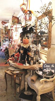 Furniture Stores In Maryland Fall Store Displays, Vendor Displays, Craft Booth Displays, Autumn Displays, Vendor Booth, Shop Displays, Display Ideas, Halloween Displays, Halloween Party Decor