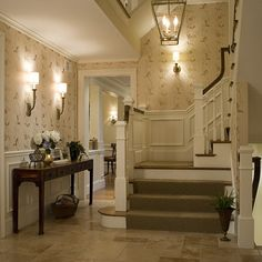 southern charm - stair landing