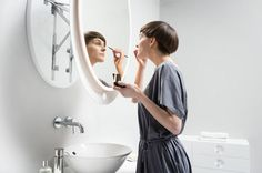 Founded by two brothers, Polish company Miior has created a patented collection of mirrors that extend off the wall and allow you to stand with correct posture. No bending over the sink anymore! Functional Furniture, Modern Furniture, Contemporary Bathroom Mirrors, Modern Mirrors, Small Space Storage, Cool Mirrors, Modern Shower, Bathroom Trends, Arquitetura