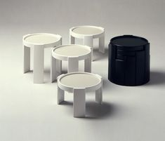 780/783 by Cassina   Side tables