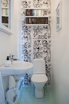 Du papier-peint façon BD pour les toilettes, une bonne idée !