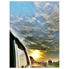 #daybreak#sunrise#morning#rising#sun#roadtrip#drive#sky#clouds#philippines#dawn#朝焼け#朝日#空#雲#太陽#フィリピン#ドライブ