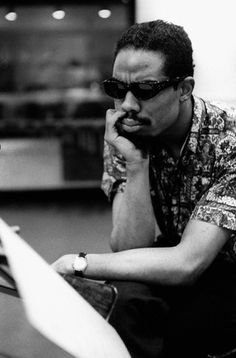 1961, NYC, Eric Dolphy during the recording sessions for George Russell's Ezz-thetics album at Riverside Studios. © Steve Schapiro