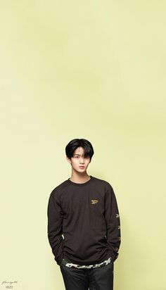 Wanna One Bae Jinyoung X Reebok Wallpaper Bae Jinyoung Produce 101, Future Photos, Lee Daehwi, Kim Jaehwan, Ha Sungwoon, Seong, 3 In One, Cute Faces, Pose Reference