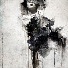 Jaroslaw Kubicki est un artiste, photographe, webdesigner basé en Pologne. Ses compositions sont très sombres, mystérieuses, surréalistes, avec des formes et des sujets abstraits.