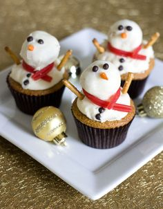 "Erica's Sweet Tooth » ""Melting"" Snowman Gingerbread Cupcakes"