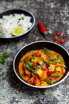 Červené kari s tofu Tempeh, Tofu, Thai Red Curry, Vegan Recipes, Vegetarian, Diet, Health, Ethnic Recipes, Health Care