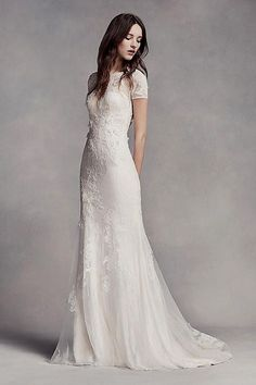 White bride dresses. All brides imagine finding the most suitable wedding ceremony, however for this they need the best wedding outfit, with the bridesmaid's dresses enhancing the brides-to-be dress. Here are a variety of tips on wedding dresses.