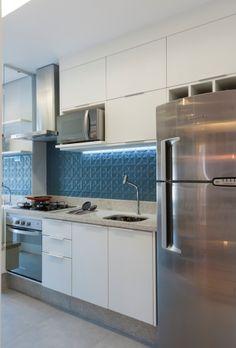 Iluminação estratégica e cores deixam apartamento pequeno mais moderno | Virgula