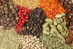 http://static.freepik.com/free-photo/seasoning-additive-black-pepper-cinnamon_3335580.jpg