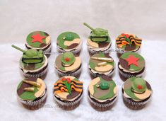 What do you think? Military Cupcakes, Army Cupcakes, Soldier Party, Camo Party, Cupcake Tutorial, 10th Birthday, Holidays And Events, Cake Designs, Cupcake Toppers
