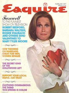 Mary Tyler Moore on the cover of Esquire, February Laura Petrie, Mary Tyler Moore Show, Barbara Walters, Horror Show, Robert Redford, Tv Guide, Her Smile, Esquire, Hot Actresses