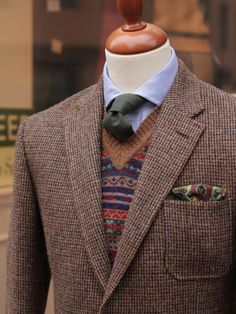 William Lockie Fair Isle Lambswool Slip-over Savannah Source: countrysports.se source More menswear & suits! Gentleman Mode, Gentleman Style, Dapper Gentleman, Tweed Run, Tweed Jacket, Ivy League Style, Fashion Outfits, Mens Fashion, Preppy Style