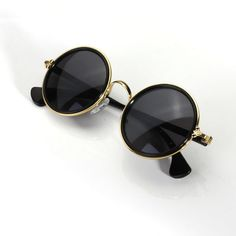 Unisex Vintage Retro Round Golden Metal Mirrored Sunglasses (180 UAH) ❤ liked on Polyvore featuring accessories, eyewear, sunglasses, summer sunglasses, retro round sunglasses, mirrored sunglasses, mirror sunglasses and unisex sunglasses