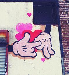Street Art du jour – Mickey is so horny…