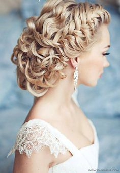Wedding hairstyle. Just lovely!!