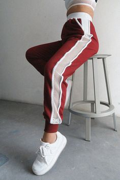 Classic tracksuit from our athleisure bestsellers! Your classic trackies with the perfect Nün Bangkok side mesh panel. These are so perfect because they are both winter friendly and summer friendly! *Cotton blend & mesh *Model is wearing size XS Sporty Outfits, Trendy Outfits, Cute Outfits, Fashion Outfits, Estilo Fitness, Warm Pants, Look Boho, Sport Chic, Sport Style
