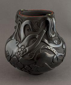Tammy Garcia - Blue Rain Gallery / Santa Fe New Mexico Raku Pottery, Pottery Sculpture, Sculpture Clay, Bronze Sculpture, Pottery Art, Native American Pottery, Native American Art, Ceramics Projects, Ceramics Ideas