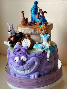 Alice in Wonderland Cake...I don't like Alice's face in this one, but it's still good.  (By Vsem Tort)