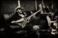 "Lemmy Kilmister with his Rickenbacker. (""Röadkill – Motörhead"", Pep Bpnet)"