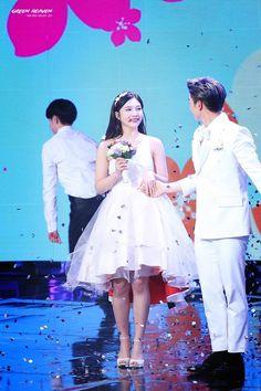 red velvet's joy and btob's sungjae on we got married Sungjae And Joy, Sungjae Btob, Wgm Couples, Kpop Couples, Korean Couple, Best Couple, We Get Married, Korean Wedding, Asian Love