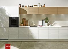 Futura er feinschmecker-køkkenet med grebsløse låger og gennemførte detaljer.