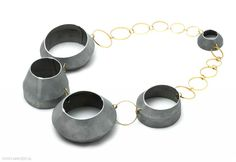 Mareen Alburg-Duncker - necklace, 2008, aluminium, gold 585 - 50 x 620 x 35 cm