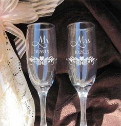 Roses Heart Mr Mrs Flutes   Etched Wedding Glasses   Toasting Glasses