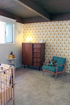 This room makes me rethink my position on wallpaper :) (wallpaper by Ferm Living)