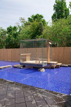 Hiroshi Sugimoto's glass cube hosts Japanese tea ceremonies in Venice.