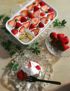 Italian Zabaglione Recipe, Mini Trifle, Plum Cake, Sweets Cake, Dessert Recipes, Desserts, Homemade Gifts, Sweet Tooth, Strawberry