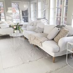 White Rooms, Daybed, Couches, Sofas, Interior Inspiration, Living Area, Love Seat, Ikea, Lounge
