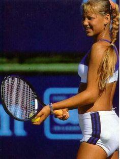 30 Of The Hottest Tennis Players Showing More Than They Should! Wta Tennis, Sport Tennis, Enrique Iglesias, Anna Kournikova, Looks Academia, Maria Sarapova, Beautiful Athletes, Tennis Players Female, Tennis Stars