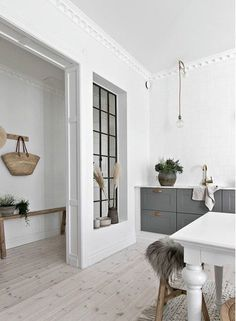 decordemon: Natural materials and ethnic touches in a bright Swedish apartment