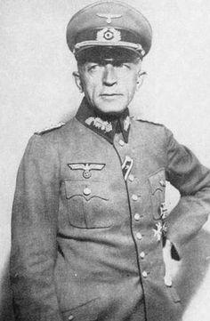 ■ General der Infanterie Kurt von Briesen (1886-1941).- Kommandeur 30.Infanterie Division. KIA on 20 November 1941 in Adreyevka (Derijewka), USSR (by Soviet aircraft near Isjum on the Donetz, southeast of Kharkov, on 20 November 1941 at 12:30 PM).