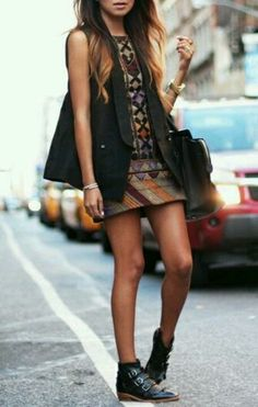 long vest over short dress; pointy buckle ankle boots & big bag. great urban look for transition - spring/summer or summer/fall. could get a lot of mileage out of this look!