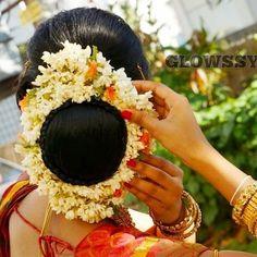 New Bridal Hairstyle, Marathi Saree, Nauvari Saree, Bun Hairstyles, Fashion, Moda, Fashion Styles, Bun Hairstyle, Fashion Illustrations