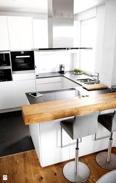 KLUDI ZENTA - Mała otwarta wąska kuchnia w kształcie litery u w aneksie z oknem, styl nowoczesny - zdjęcie od KLUDI