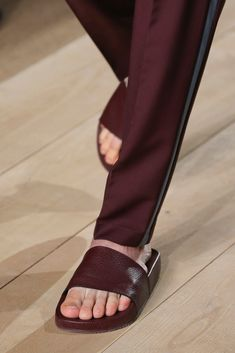Valentino Spring 2015 Menswear Fashion Show Details Valentino 2017, Valentino Purse, Valentino Handbags, Mode Masculine, Shoe Boots, Shoes Sandals, Shoes Sneakers, Fashion Show, Mens Fashion